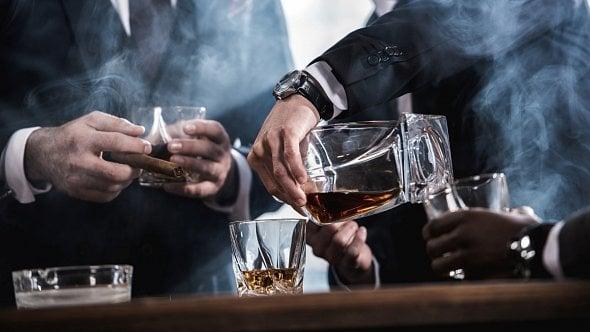 Daňový balíček prošel Sněmovnou. Tabákové výrobky a lihoviny zřejmě podraží