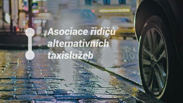 Řidiči alternativních taxislužeb vyžadují úpravy zákona imodernizaci oboru