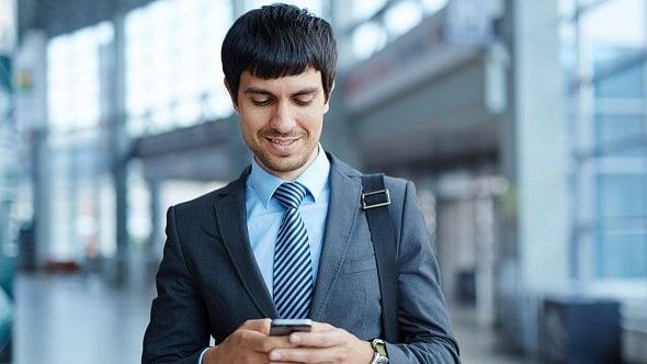 Ze Spojených států amerických pište raději SMSky a pořiďte si datové balíčky