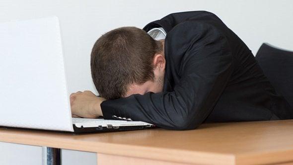 Spících firem je téměř 100tisíc. Nejvíce jich má sídlo vPraze