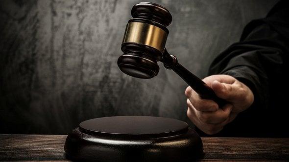 Medializovaný případ zajišťováků skončil pro podnikatele tresty za podvod
