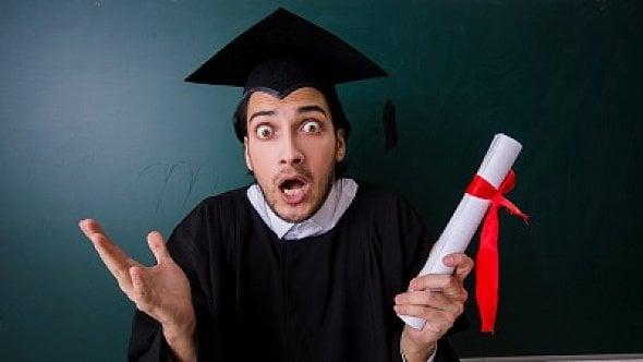 Odkdy jsou absolventi škol povinni hradit sociální pojistné?