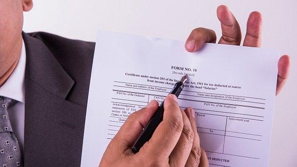 Konec libovůle ministerstva, daňové formuláře musí specifikovat právní předpis
