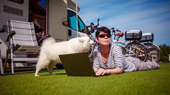 Řešíte, jak pracovat a cestovat zároveň? Inspirujte se digitálními nomády