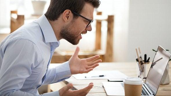 Někteří zaměstnavatelé mají problémy se spuštěním eNeschopenek, tvrdí průzkum