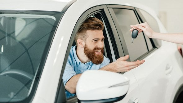 Na konci ledna musí mít berňák nejen přiznání kdani silniční, ale iplatbu