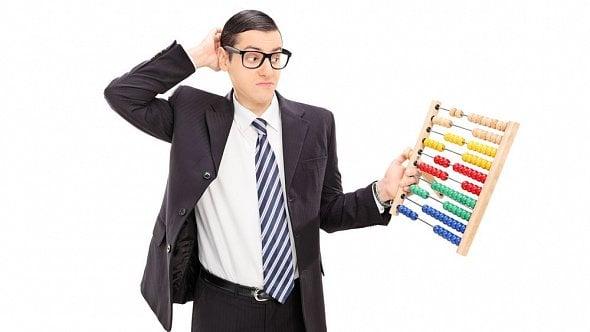 Jak na zálohy a daň při kombinaci zaměstnání spodnikáním