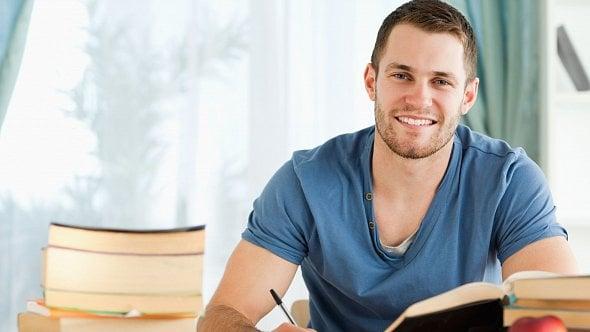 Student si přivydělával jako OSVČ. Má nárok na kompenzační bonus?