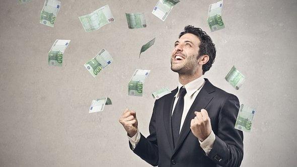 Už jste si zažádali osplácení úvěrů a hypoték? Odložit můžete až opůl roku