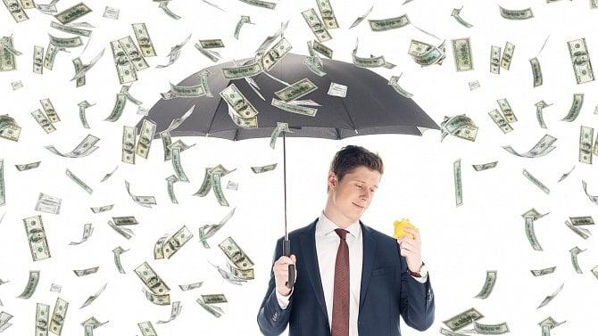Finanční správa poslala poplatníkům přeplatky vhodnotě téměř 12miliard