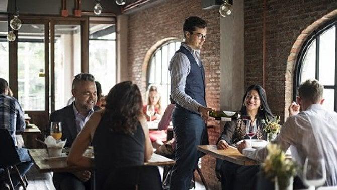 Restaurace a hospody se otevírají. Jaká pravidla je nutné dodržet?