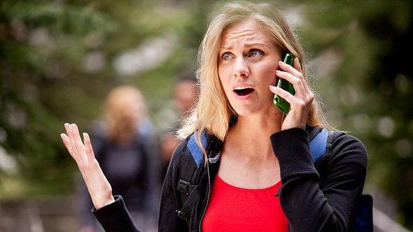 """Energošmejdi to zkouší opět po telefonu: Stačí jedno """"ano"""" a průšvih je na světě"""