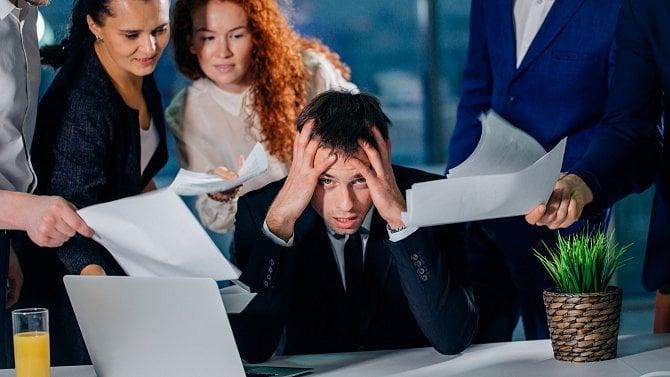 """Když zaměstnance vkrizi """"oholíte"""", uškodíte si. Zjistěte, jak je spíš podpořit"""