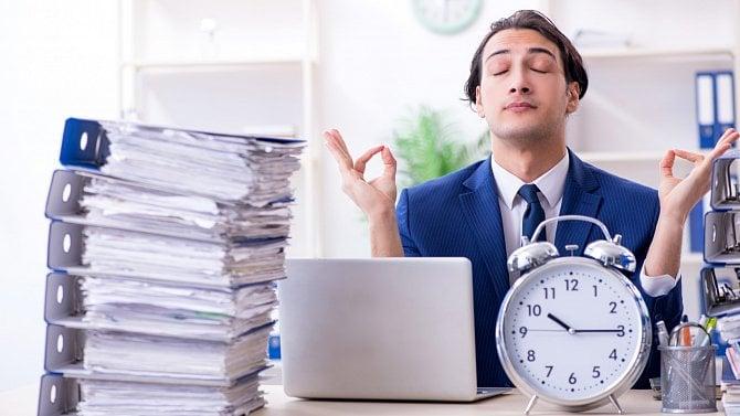 Práce bez růžových brýlí je osamotě a stresu. Čtěte tipy těch, co otom ví své