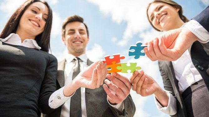 Sdílené pracovní místo nově: Pro firmy to není taková bomba, jak se možná zdá