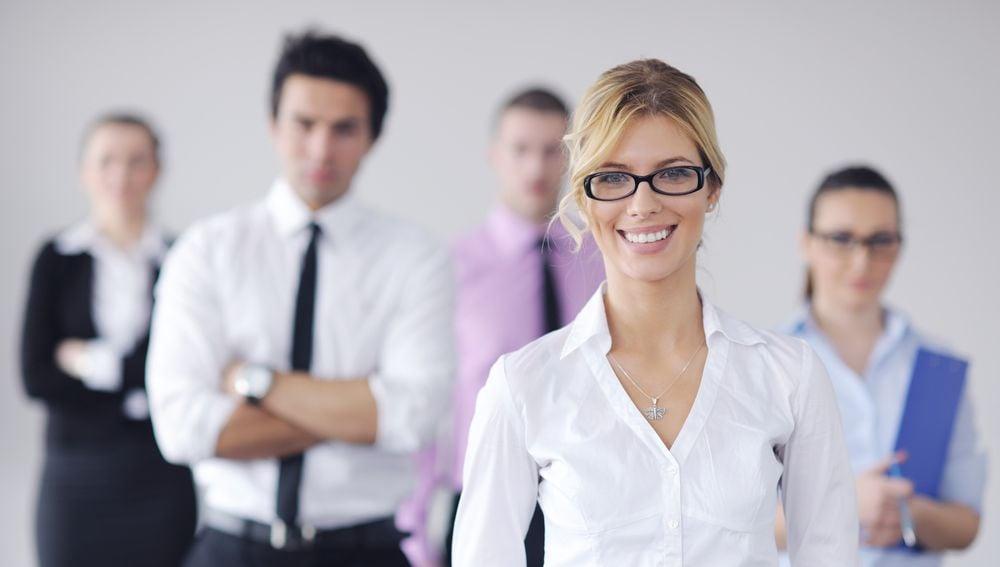Nárok na kompenzační bonus uOSVČ a společníků pracujících zároveň na dohodu