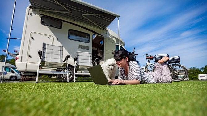 Češi jsou chytré hlavičky. Pro cestování si letos půjčují karavany