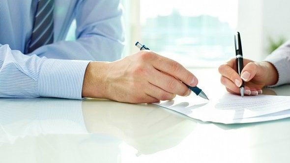 Kdy (ne)používat elektronické podpisy při uzavírání smluv?
