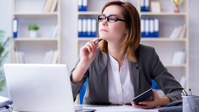 Otazníky kolem plnění zkonkurenční doložky zaměstnancům a jednatelům