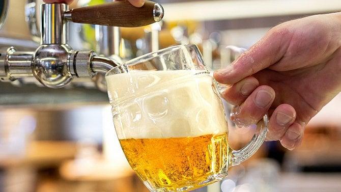 """Do konce roku lze žádat odaň za """"vylité pivo"""" během nouzového stavu"""