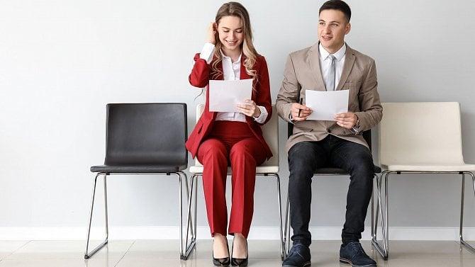 Dva zaměstnanci na jedné židli. Realita. nebo utopie?