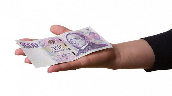 Souhlas sargumentací ministerstva, je tak načase zvýšit základní slevu na dani