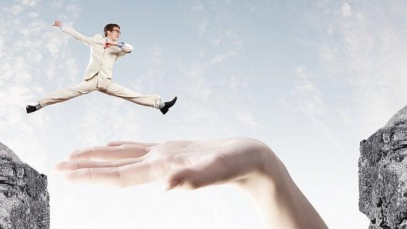 Změna vyžaduje překonat strach a riskovat. Co pomůže a čím se nenechat odradit?