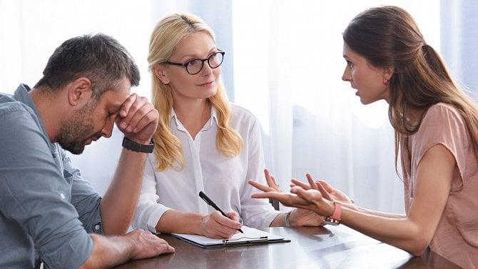 Kvůli opomenutí přijde nejeden zaměstnanec sdětmi očást bonusu