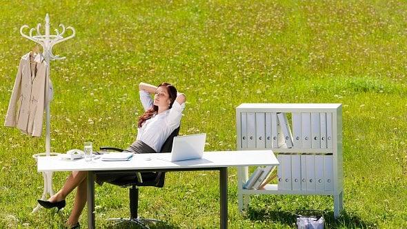 3tipy, jak relaxovat a vypnout hlavu, ikdyž je práce vaše největší neřest