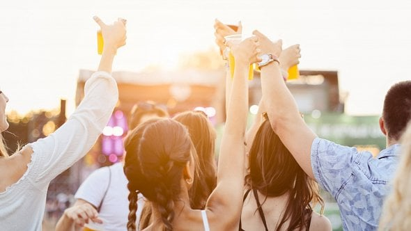 EET na festivalech a koncertech? Test odhalil velké slabiny