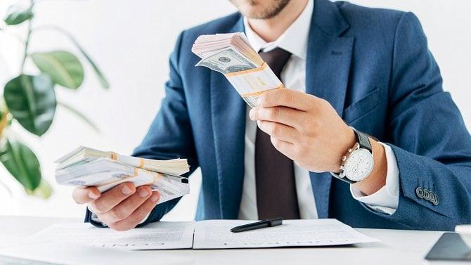 Povinnost oznamování osvobozených příjmů nad 5milionů korun finančnímu úřadu
