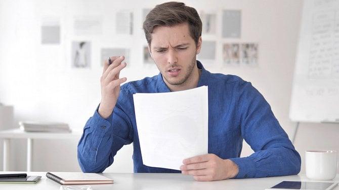 Klient všoku: Nevědomky ho přeregistrovali kjiné pojišťovně. Co teď?