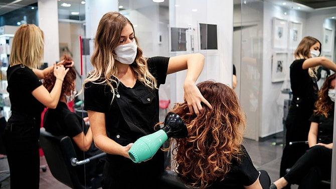 3.května otevřou kadeřnictví, podmínkou bude negativní test na covid