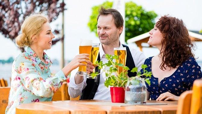 Praha odpustí restauratérům nájemné za předzahrádky za červen a červenec