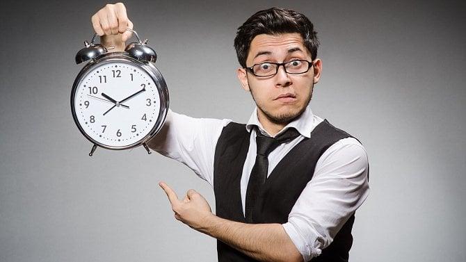 Zbývá čas jen do půlnoci. Za kolik je nepodané přiznání a neuhrazená daň?