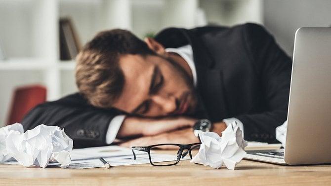 Obchodní rejstřík je zaplevelený spícími firmami, každá pátá není aktivní