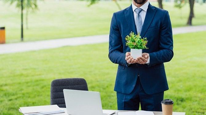 5tipů pro kancelář pod mraky: Vyvenčete sebe inotebook a jděte pracovat ven