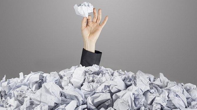 Jak postupovat, pokud dojde ke zničení nebo poškození účetních záznamů?