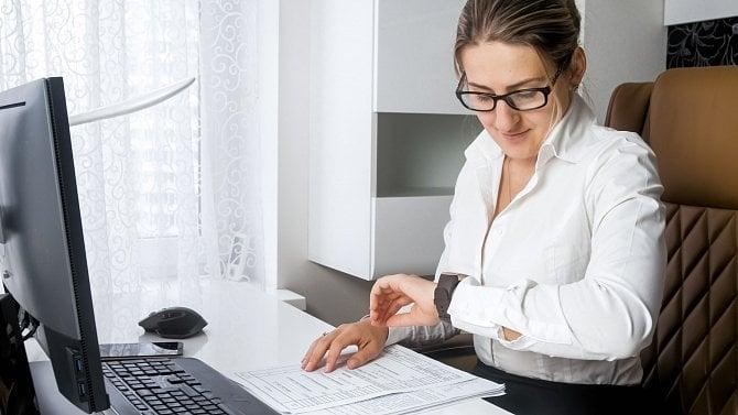 [článek] Podnikatelka shání novou pračku a chce dvouletou záruku. Jak na to?