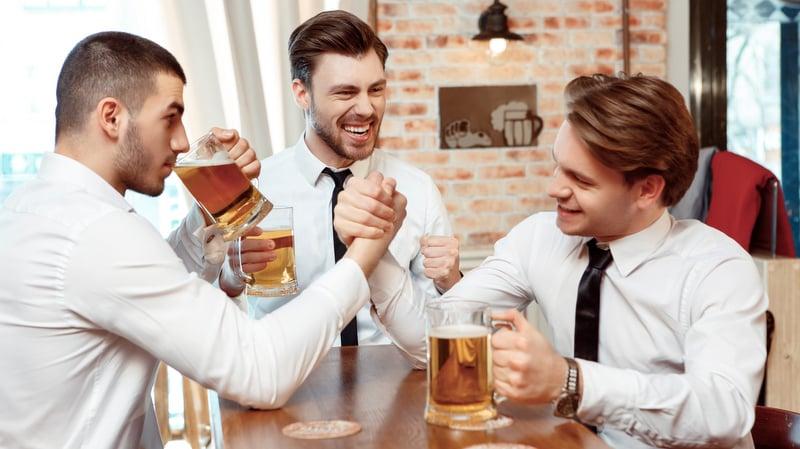 Pivo teklo v srpnu proudem, pochvalují se pivovary