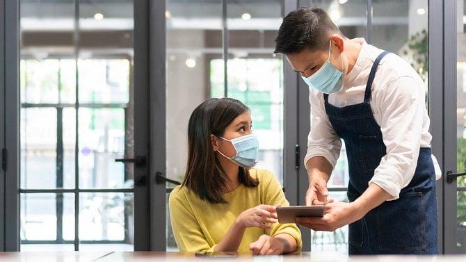 Nové pokuty pro hospody a jejich zákazníky. Toto se od listopadu zavádí