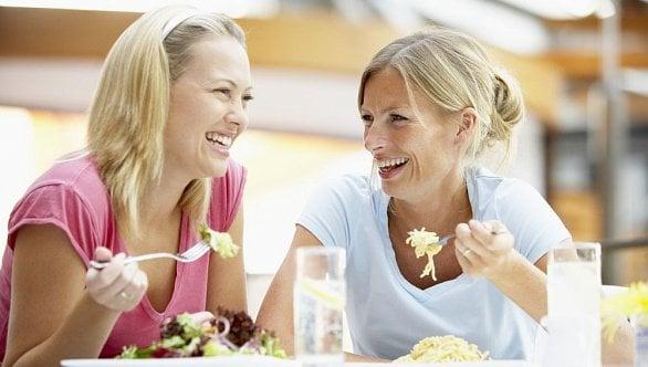 Navzdory EET inedostatku lidí nejvíce plátců DPH podniká voblasti stravování