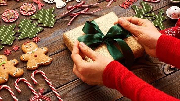 Vánoční dárky musíte plánovat již teď. Čím letos obdarovat klienty?