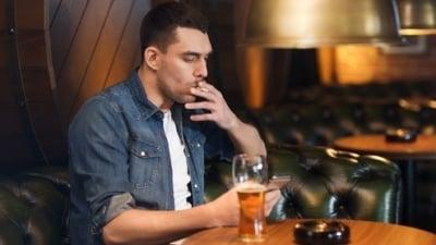 Cigarety, tvrdý alkohol a hazard čeká vyšší zdanění, rozhodla vláda