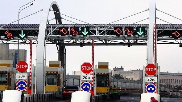 Nové mýto zatím netáhne. Dopravci čekají na výsledek právních sporů