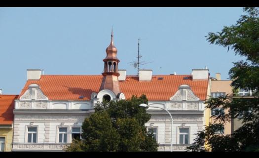 Pokládka pálené střešní krytiny Praha – kvalitní střecha na několik generací