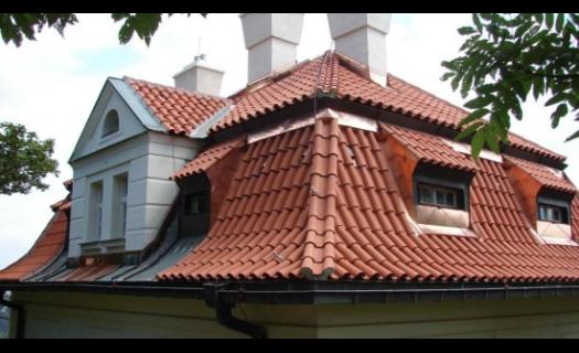 Kompletní řešení střech – klempířské, tesařské i pokrývačské práce v Praze