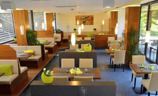 Restaurace v Plzni s dětským koutkem a salonky pro akce a oslavy
