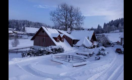 Ubytování v Jizerských horách ve Ski areálu Severák, z apartmánu přímo na sjezdovku