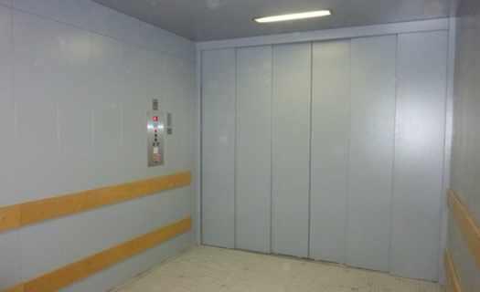 Výtahy osobní, nákladní, jídelní, výtahové šachty, eskalátory